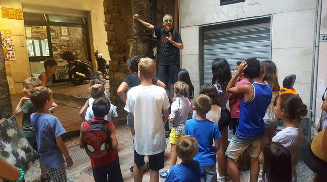 Riviera24 – Sanremo, bambini nella Pigna con Salvatore Stella