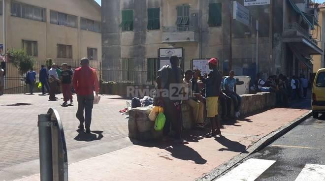riviera24 - trasferimento migranti