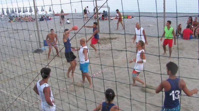 Bordighera, il Torneo di beach-handball