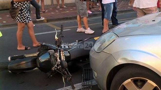 Bordighera, scontro auto moto