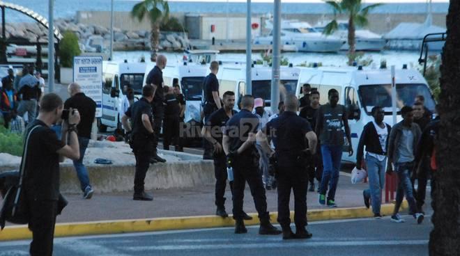 migranti a mentone agosto 2016
