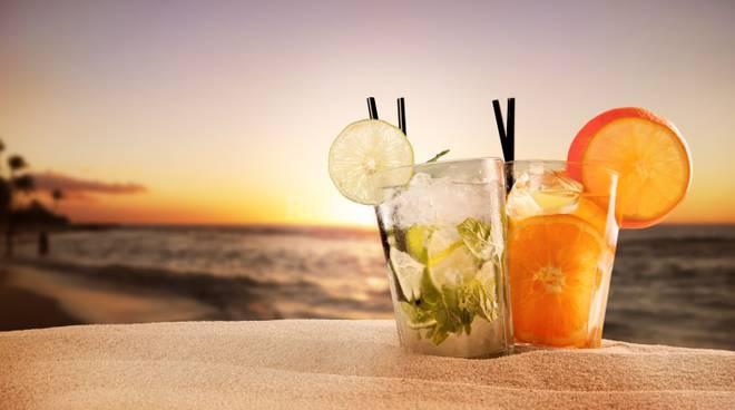 Riviera24 - aperitivo spiaggia