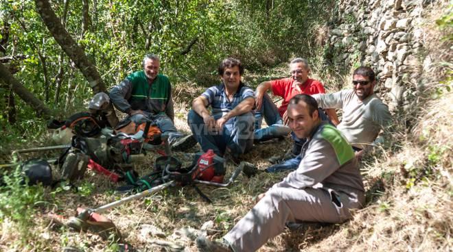 riviera24 - Borghetto D'Arroscia, inizia il ripristino degli antichi sentieri