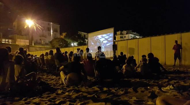 riviera24 - cinema in spiaggia arma di taggia generica