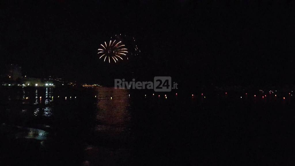 riviera24 - Festa di Sant'Erasmo 2016  fuochi d'artificio ad Arma di Taggia
