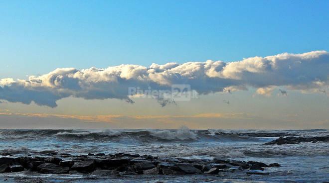 riviera24 - Mare e nuvole