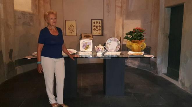 riviera24 - Mostra di ceramiche artistiche di Valeria Allegri a San Lorenzo al mare