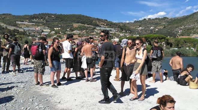 Ventimiglia: scontri con i No border, poliziotto muore d'infarto