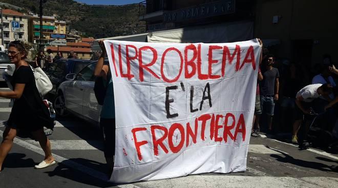 riviera24 - Ventimiglia, i No Borders annullano la manifestazione 7 agosto 2016