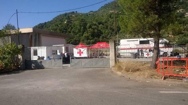 Sgomberati i profughi dal bivacco del Parco Roja
