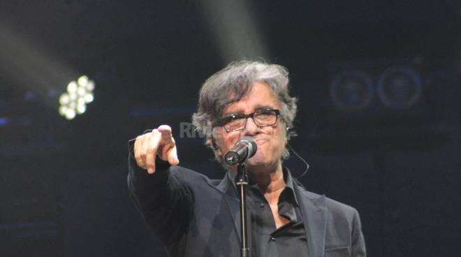 Il concerto degli Stadio al teatro Ariston di Sanremo