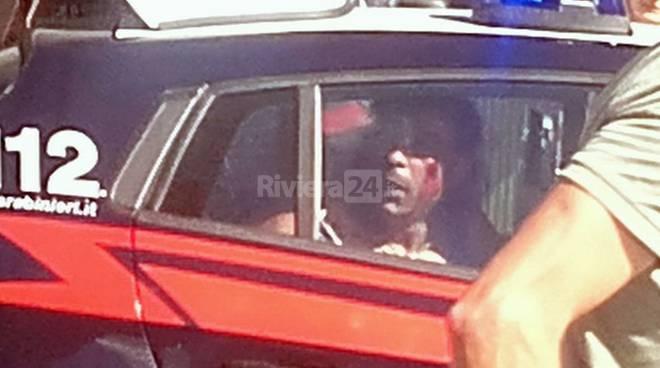 Maradona torna a far danni: ruba uno scooter e sfreccia a tutta velocità nel centro storico, arrestato