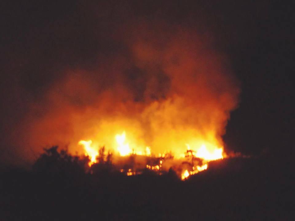 Notte di fuoco in provincia di Imperia