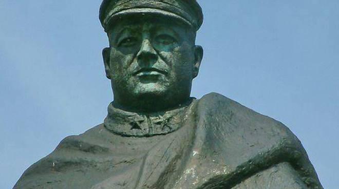 riviera 24 -  statua Nazario Sauro