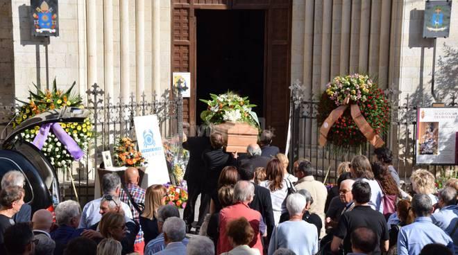 riviera24 - funerali pino fassola
