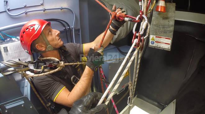 riviera24 - Simulazione d'evacuazione con Vigili del Fuoco