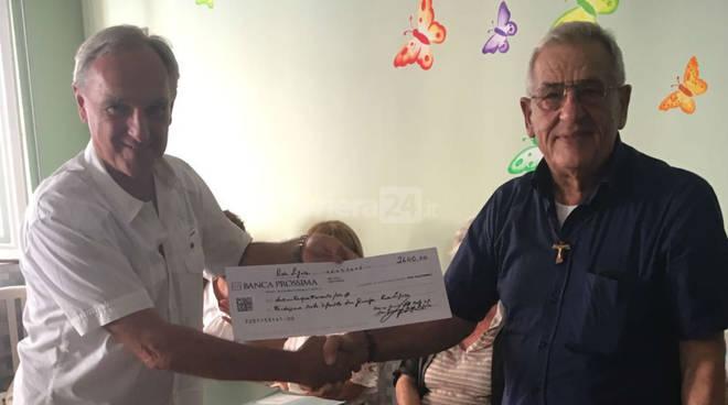 riviera24 - Un assegno di 2.400 euro per l'asilo di Riva Ligure