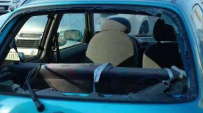 riviera24 - Vandalizzata l'auto di un'invalida: la segnalazione su Facebook
