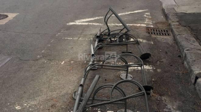 riviera24 - Via Ansaldi rastrelliera biciclette sanremo