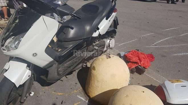 Scontro auto - scooter a Riva Ligure al bivio per Pompeiana, due le persone ferite
