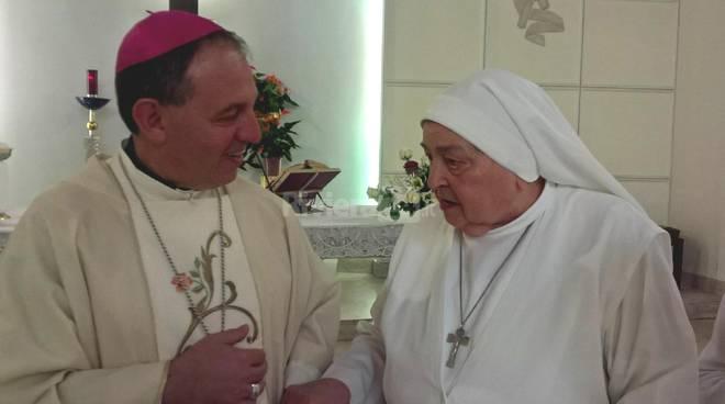 Madre Brigida, 70 anni di prof. religiosa, festa con il vescovo Suetta