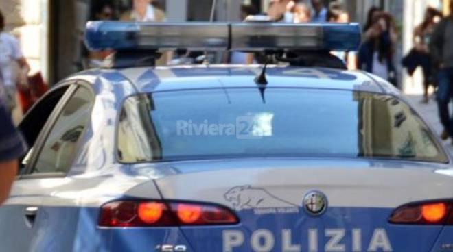 Cinque rapine allo stesso hotel, la polizia arresta tre persone