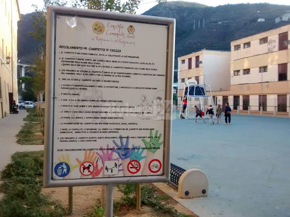 riviera24 - Degrado al campetto di Taggia e alla scuola materna