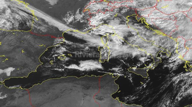 Allerta meteo rossa su Genova, scuole chiuse
