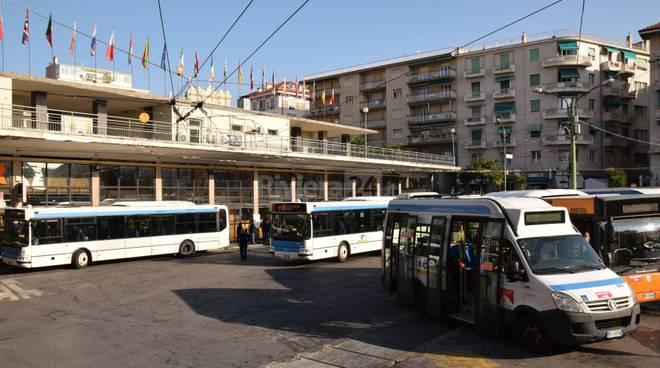 riviera24 - stazione dei bus sanremo piazzale riviera trasporti corriere