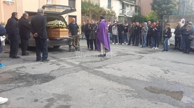 riviera24 - Ventimiglia, l'addio ad Andrea Notari