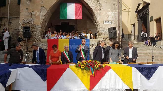 Taggia in festa per il gemellaggio con Verbicaro: firmato il patto di fratellanza in piazza Trinità