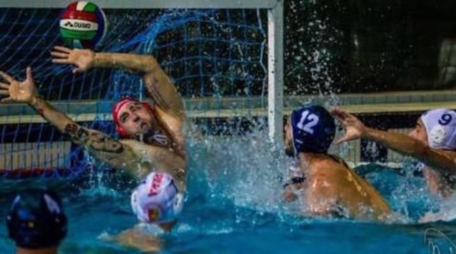 riviera24 - portiere della squadra di pallanuoto, Mattia Conti rari nantes imperia