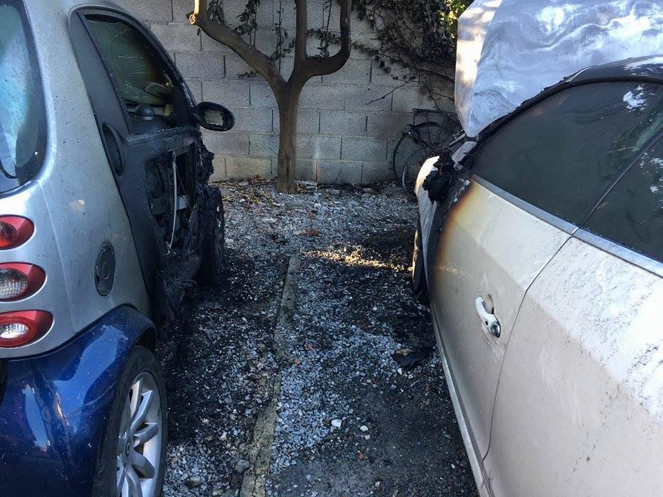 riviera24 - Rogo di auto a Vallecrosia