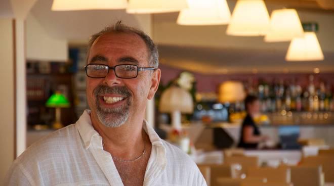 riviera24  - Sanremo, derubato il proprietario del chiosco di fiori Monremo