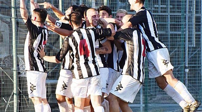 riviera24 - vittoria argentina arma calcio