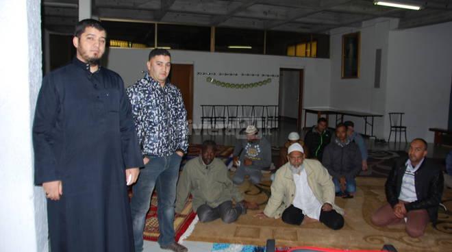 Ventimiglia, musulmani in preghiera nei locali della chiesa