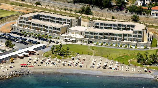 riviera24 - Aregai Marina Resort
