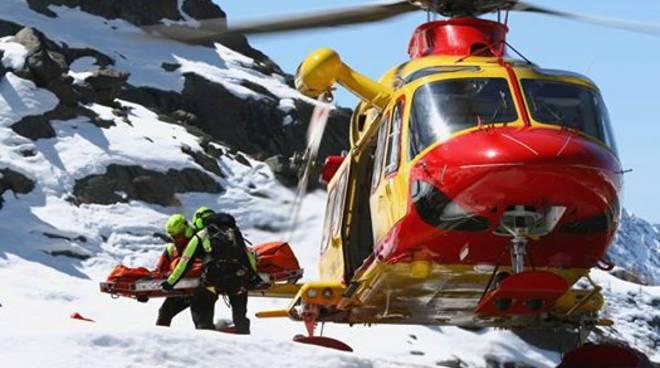 CUNEO. Valanga su sci alpinisti, un morto e 2 feriti