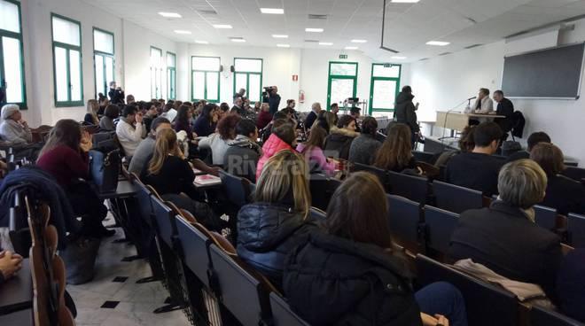 riviera24 -  Lectio magistralis con il vescovo Borghetti