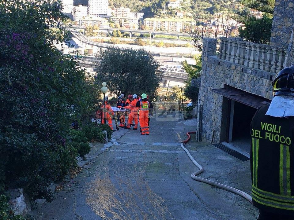 Soccorsi in via Sant'Anna a Ventimiglia