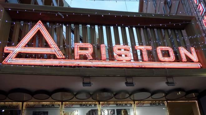 Nelle foto di Gianluca Allara parata di cantanti all'Ariston per le prove