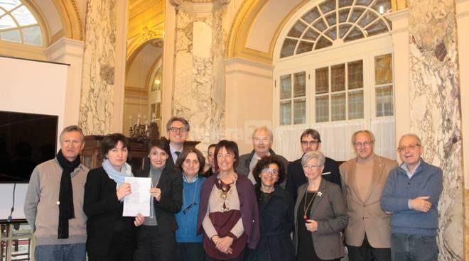 riviera24 - Consegna del ricavato della raccolti fondi dei club services
