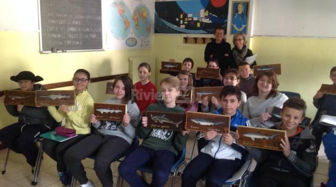Riviera24 - Consoli del Mare scuola Dante Alighieri Corso Biologia Marina gli Squali