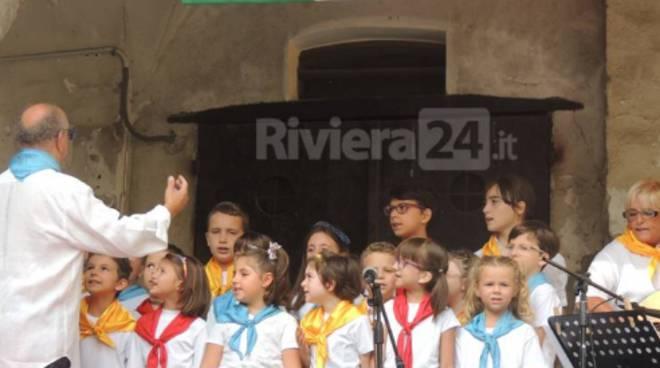 riviera24 - coro mille voci una voce taggia