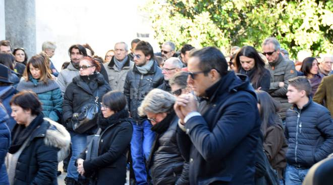 riviera24 - La Sanremo rock dà l'ultimo saluto a Ramon Gabardi funerale
