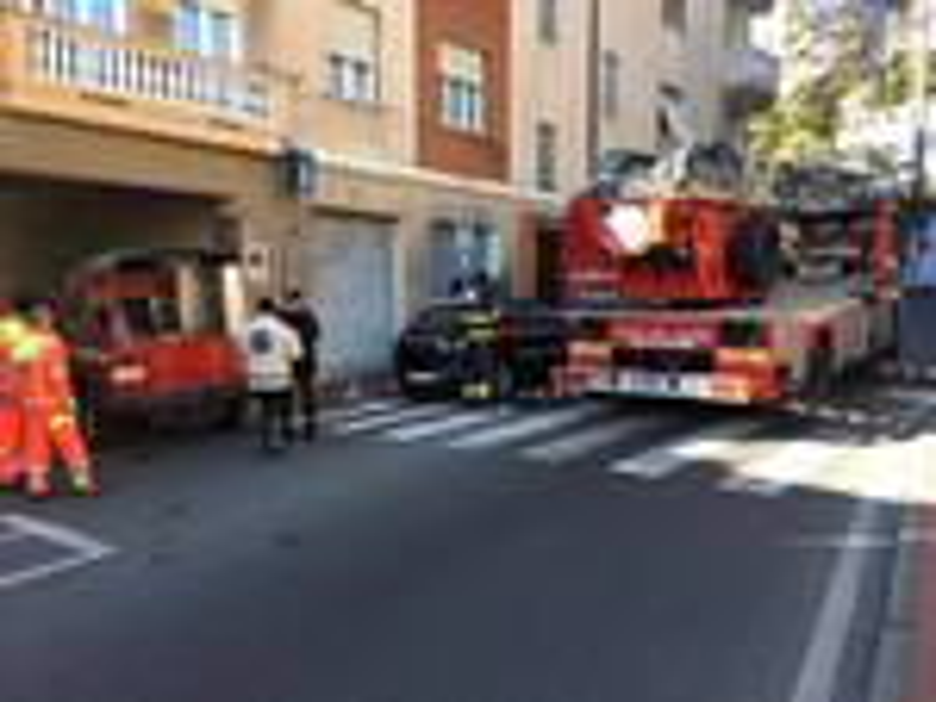 riviera24 - vigili del fuoco imperia autoscala via pirinoli