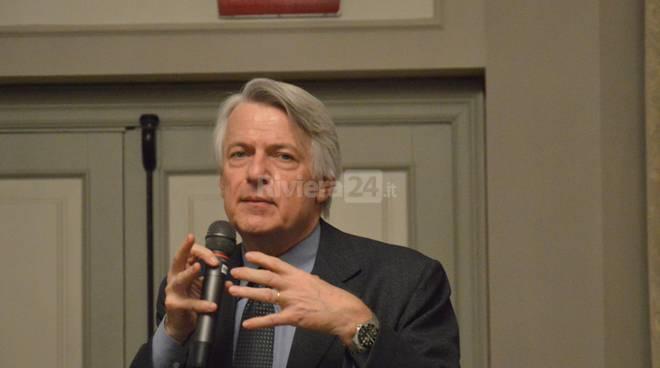 Ferruccio de Bortoli ospite alla conviviale interclub del Rotary Sanremo e Hanbury
