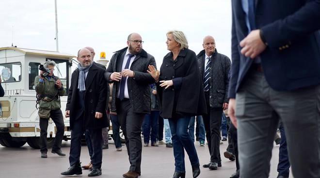 Ebrei di Francia: Marine Le Pen toglie la doppia cittadinanza