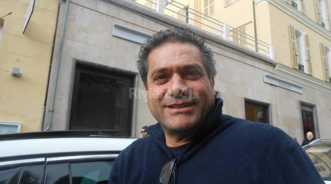 Riviera24 - Carmelo Natalino tassista Sanremo