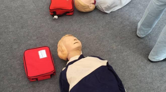 riviera24 - manovre salvavita arresto cardiaco